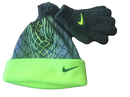 Amazon.com  NIKE Youth Blue Winter Hat   Gloves Beanie Set 4-7 ... 933606f11ca