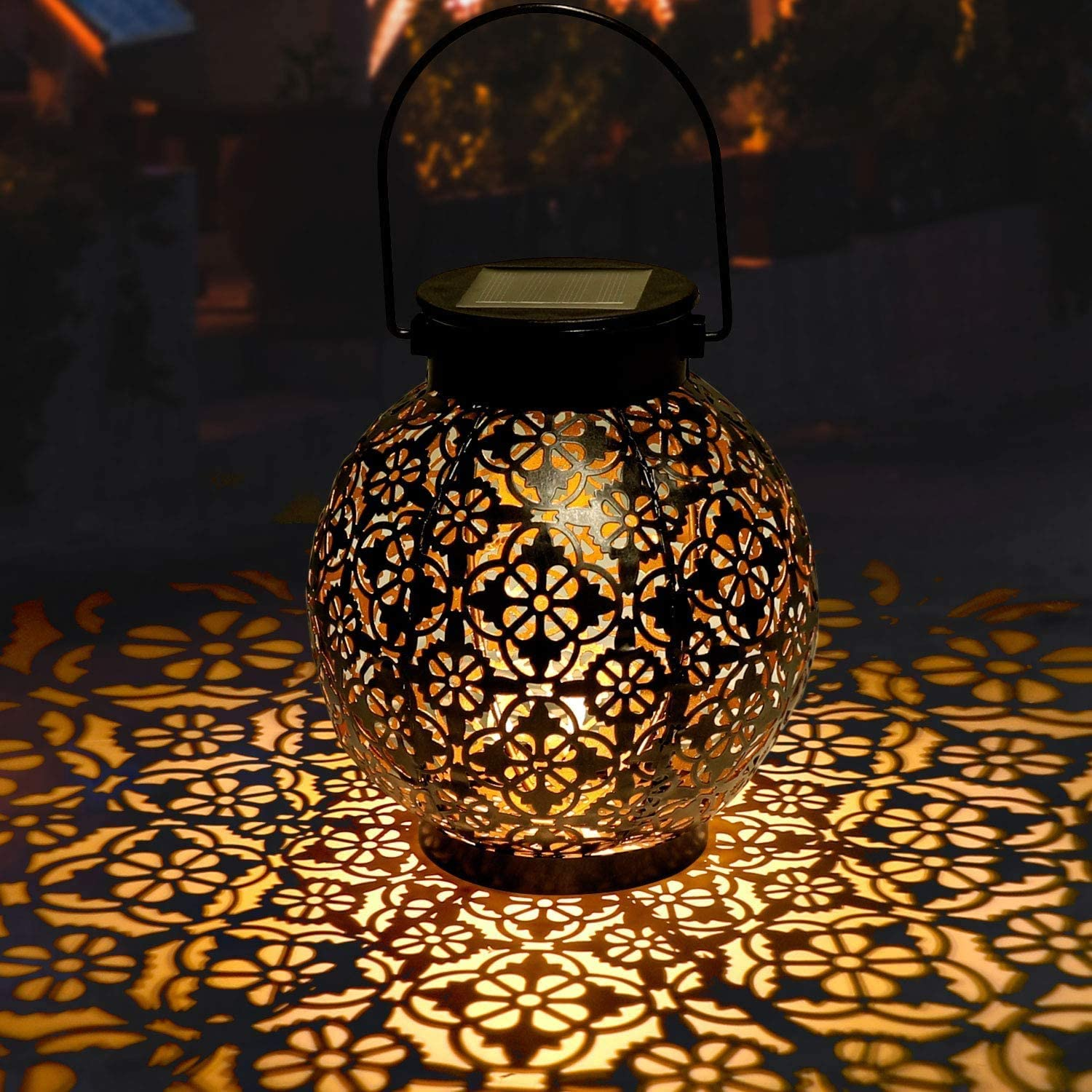 Golwof Solar Lanterns Outdoor Hanging, Hanging Solar Lights Decorative Retro Metal Waterproof Solar Lamp with Handle for Garden, Yard Porch and Tabletop