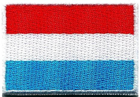 Parche bordado con diseño de la bandera de Luxemburgo de Europa tricolor para planchar. Pasa ...