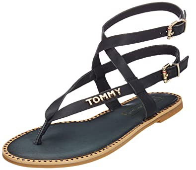 70e2e756ff Tommy Hilfiger Women's Iconic Flat Strappy Sandal Flip Flops, Blue  (Midnight 403),