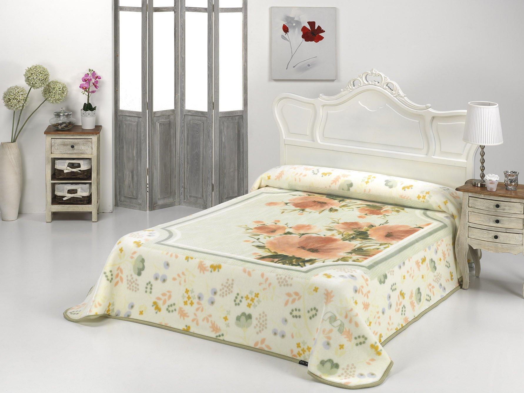 European - Made in Spain warm blanket Mora Gold 220x240 1 PLY Verde Color