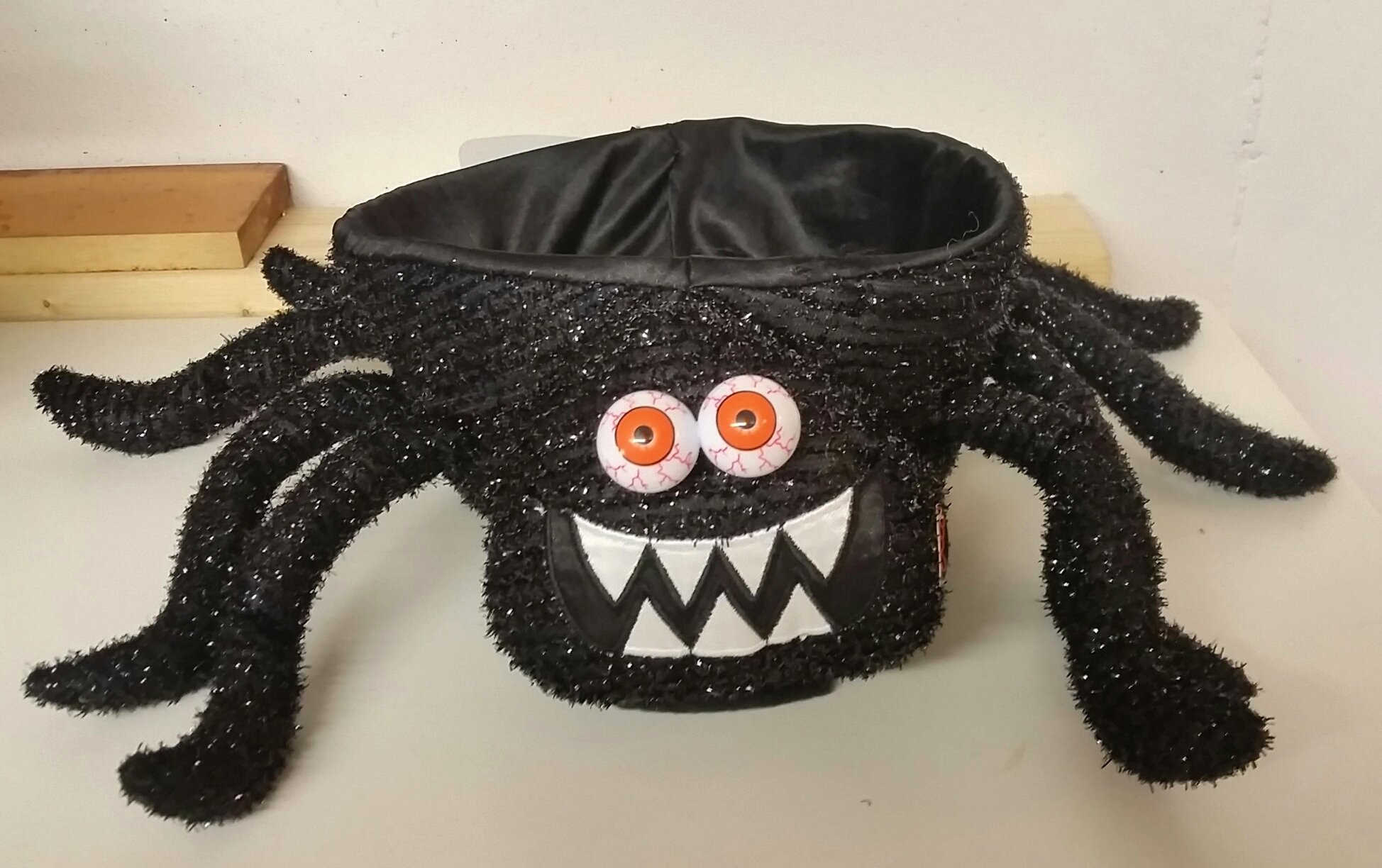 19 Inch Black Spider Light Up Musical Plush Halloween Candy Bowl - Plays ''Zombie Dance'' by Eerie Alley (Image #2)