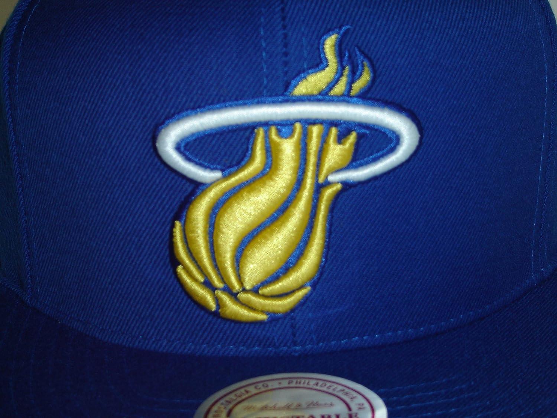 buy popular 98ea1 fa6b2 Amazon.com   Mitchell and Ness NBA Miami Heat Logo Special Blue 2 Tone  Retro Snapback Cap   Baseball Batting Helmets   Sports   Outdoors