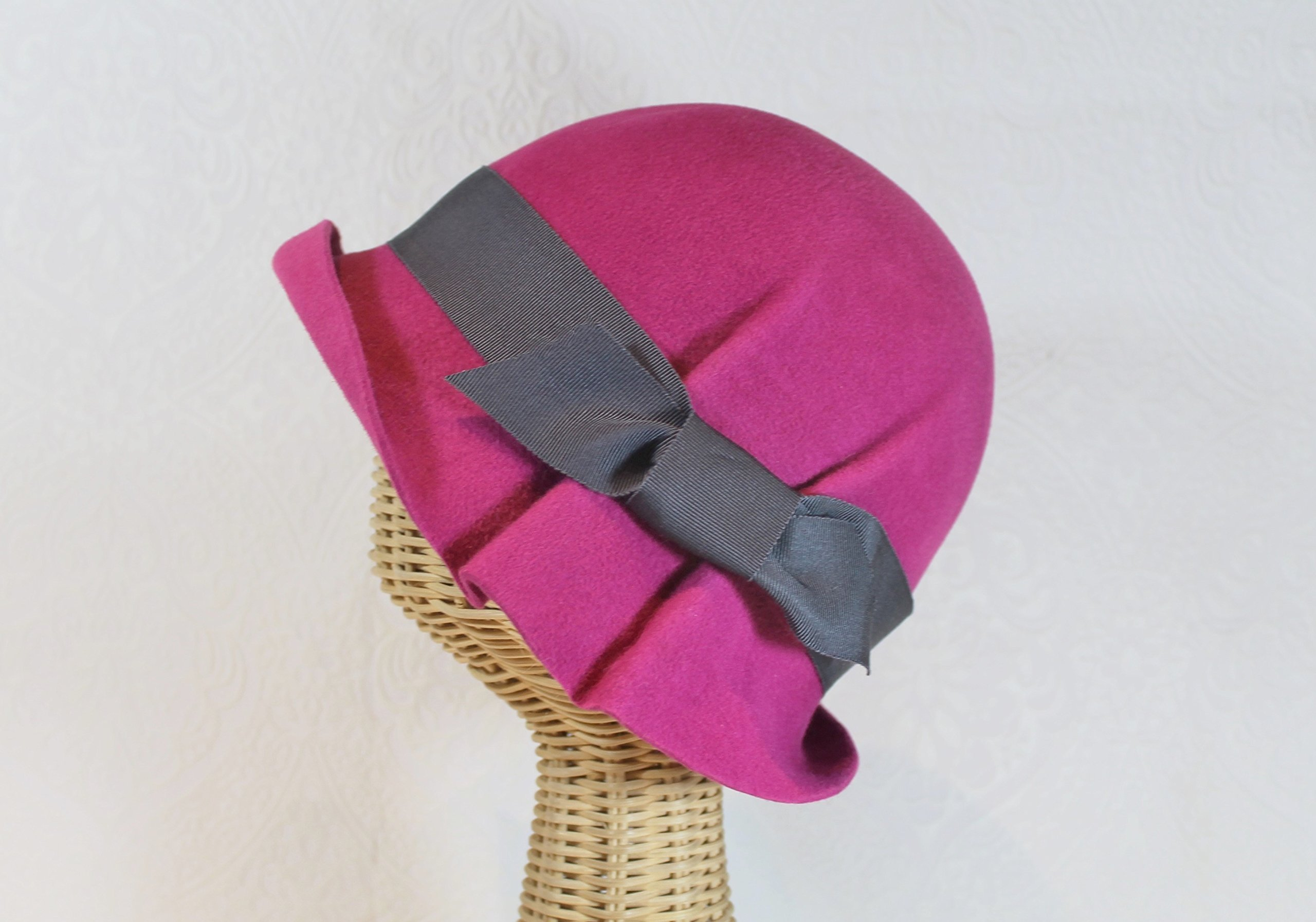 Magenta Ingrid 20s Style Pleated Cloche Hat in Velour Felt