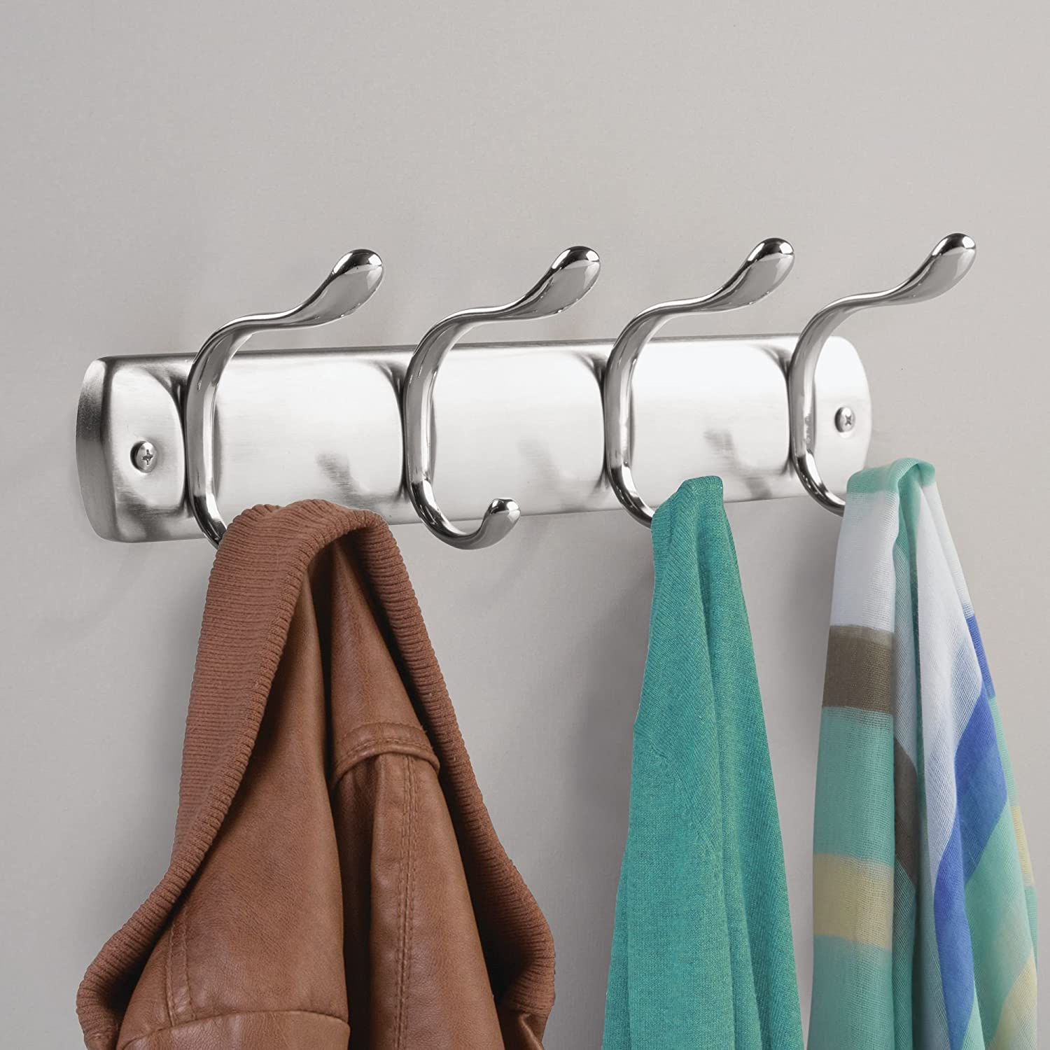 InterDesign Bruschia Colgador de Pared, Perchero de Metal con 4 Ganchos para Colgar, Plateado/Plateado Mate