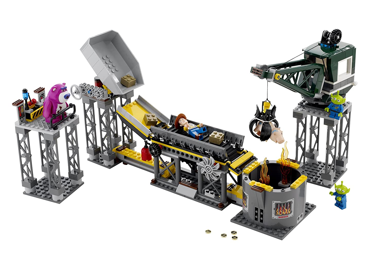Amazon.com: LEGO Toy Story Trash Compactor Escape (7596): Toys \u0026 Games