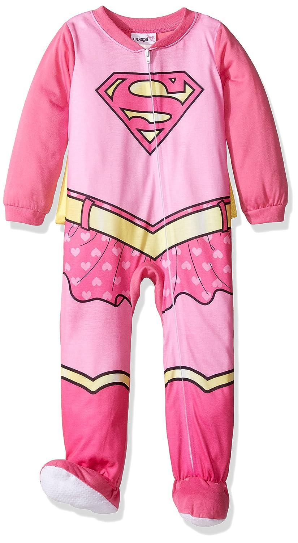 acb0c5aa0 Amazon.com: Supergirl Girls Costume Sleeper Pajamas with Cape: Clothing