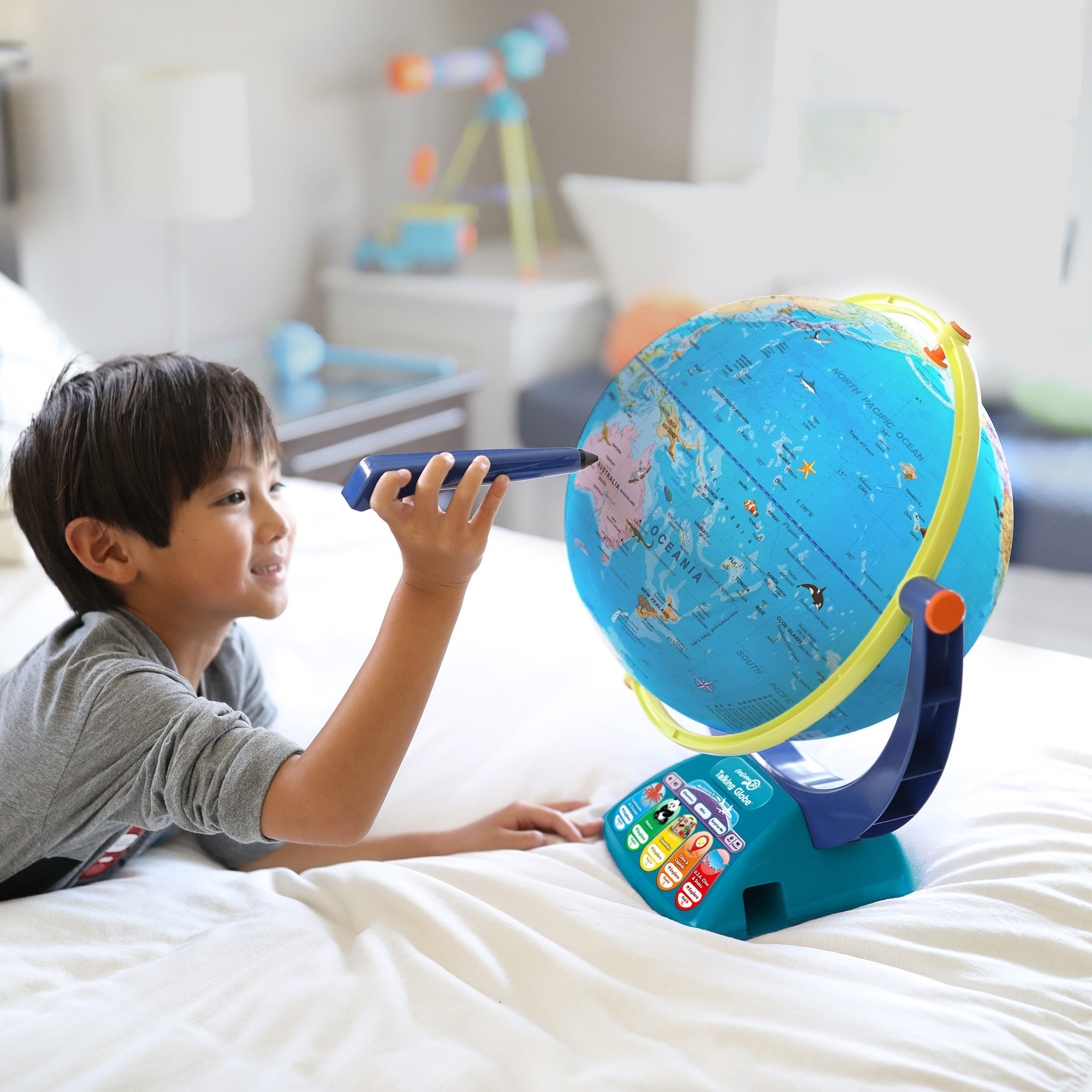 Educational Insights Geosafari Jr. Talking Globe-Featuring Bindi Irwin-Learning Toy by Educational Insights (Image #2)