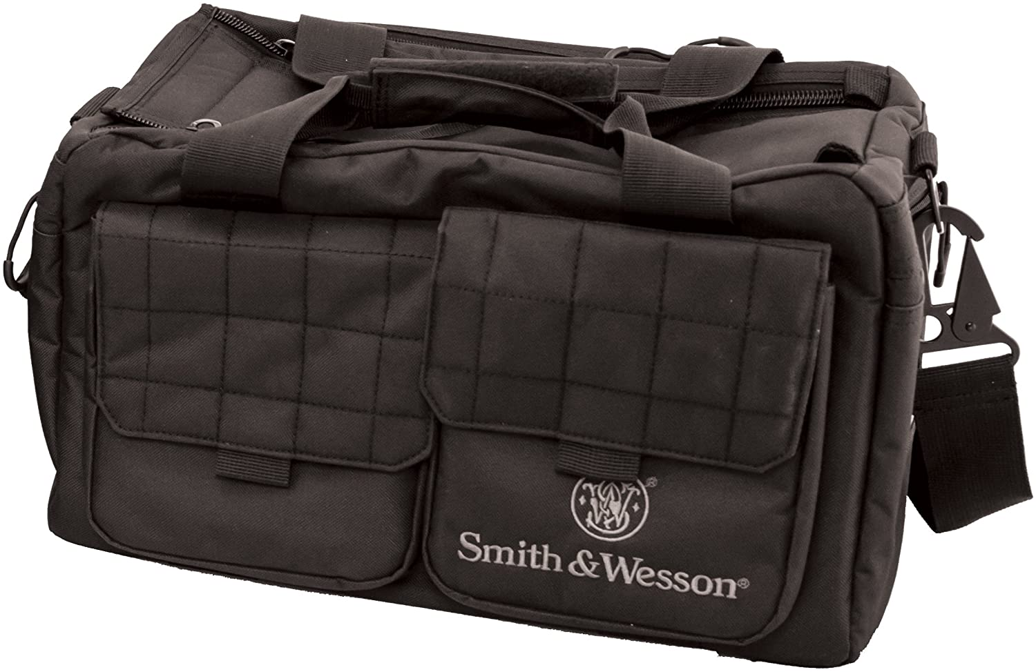 Photo of a range bag from Smith&Wesson, black color, with two front pockets and a shoulder strap.