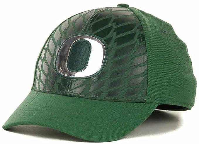 innovative design 32be2 e39b6 Amazon.com   Nike Oregon Ducks Wingfront Legacy 91 Swooshflex Dri-Fit  Stretch Cap Hat (Medium-Large, Green)   Sports   Outdoors
