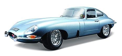 Jaguar E Type >> Amazon Com Bburago 1 18 Jaguar E Coupe 1961 Colors May Vary
