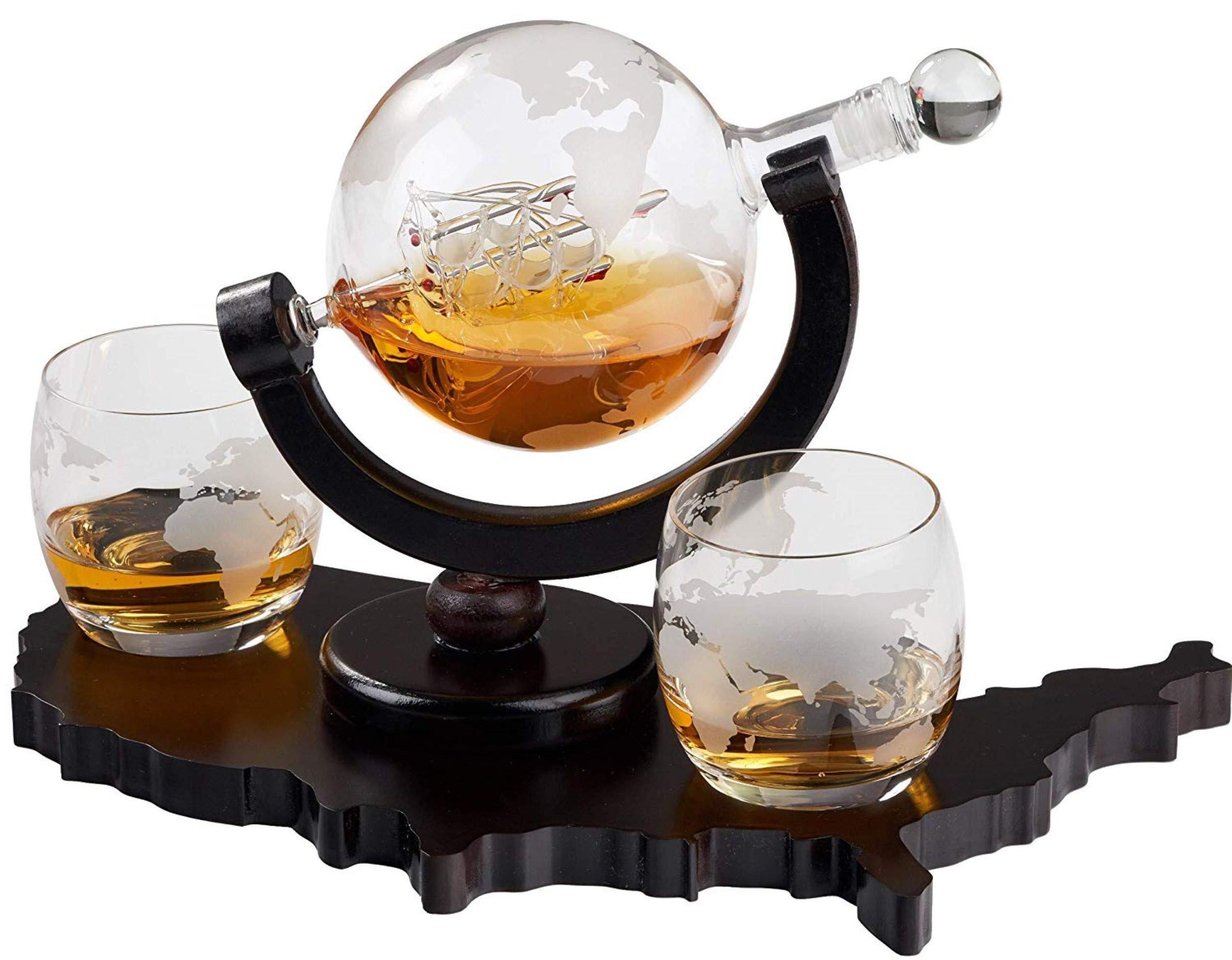 Whiskey Decanter Set World Etched Globe Decanter Airtight Stopper Antique Ship Liquor Dispenser Perfect Bar Gift Bourbon Scotch Vodka Liquor USA Map Tray 850 ml by Bezrat (Image #1)