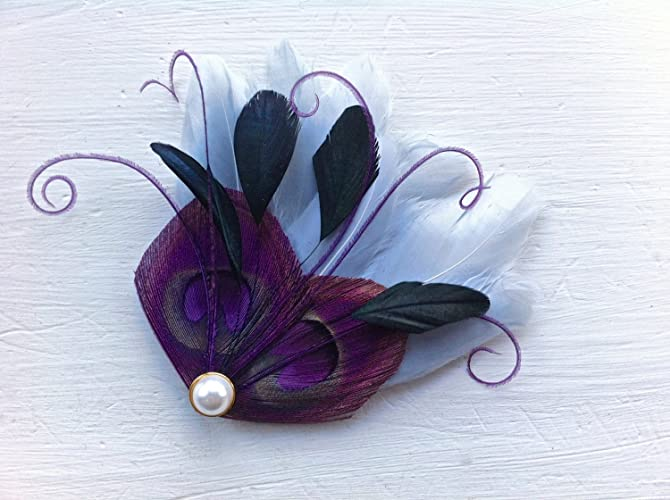 Amazon.com  Oh Lucy Handmade JOLIE Peacock Mini Feather Hair Clip with Gold  Pearl 12805f3c6a2