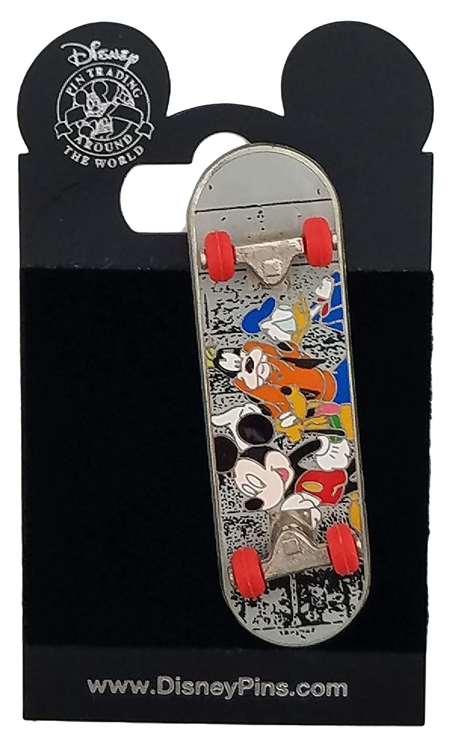 Disney Pin - Skateboard - Mickey and the Gang