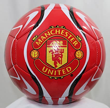 Amazon Com Manchester United Size 4 Soccer Ball Sports Outdoors