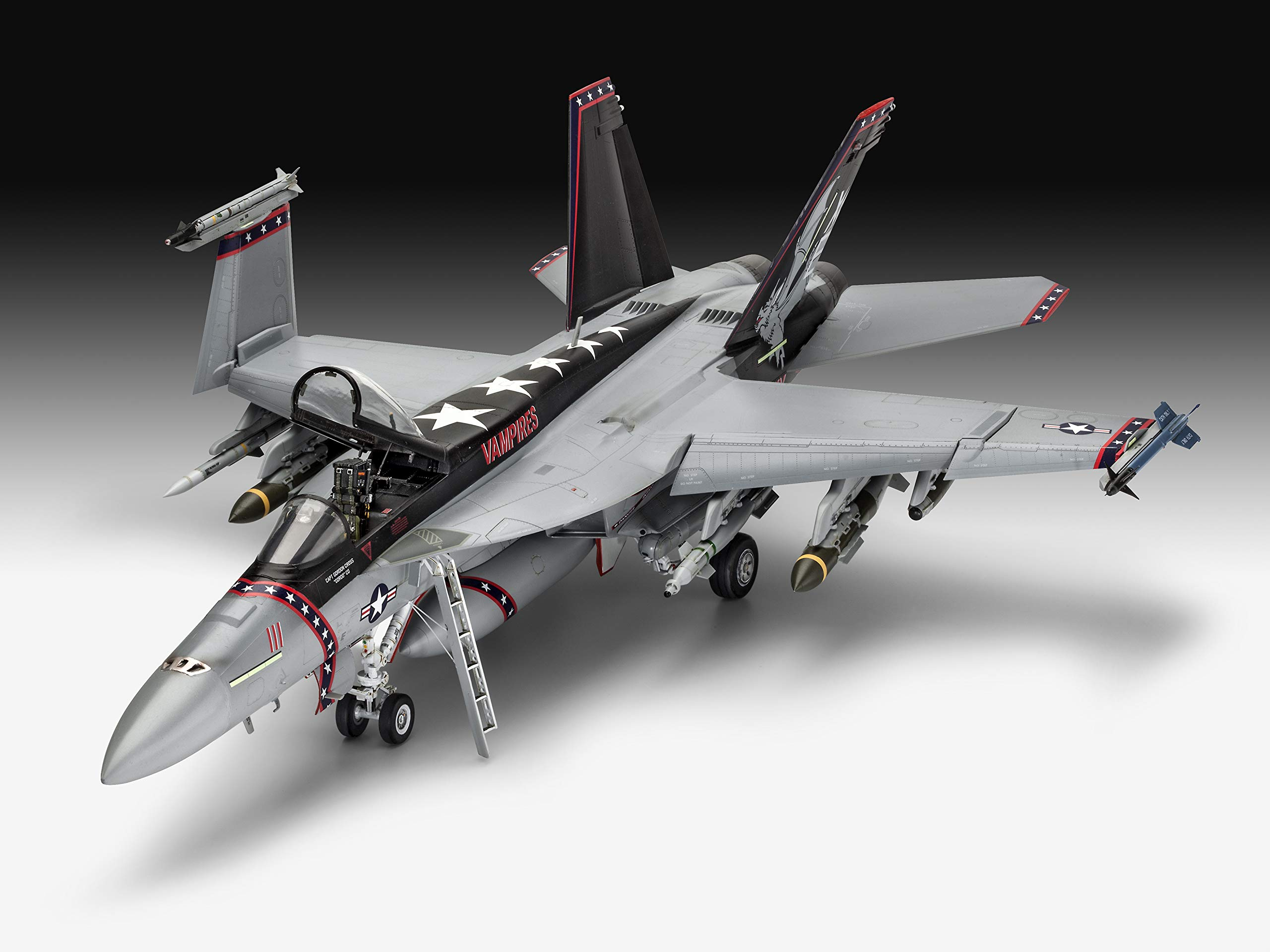 Revell of Germany 04994 1/32 F/A-18E Super Hornet by Revell of Germany (Image #2)