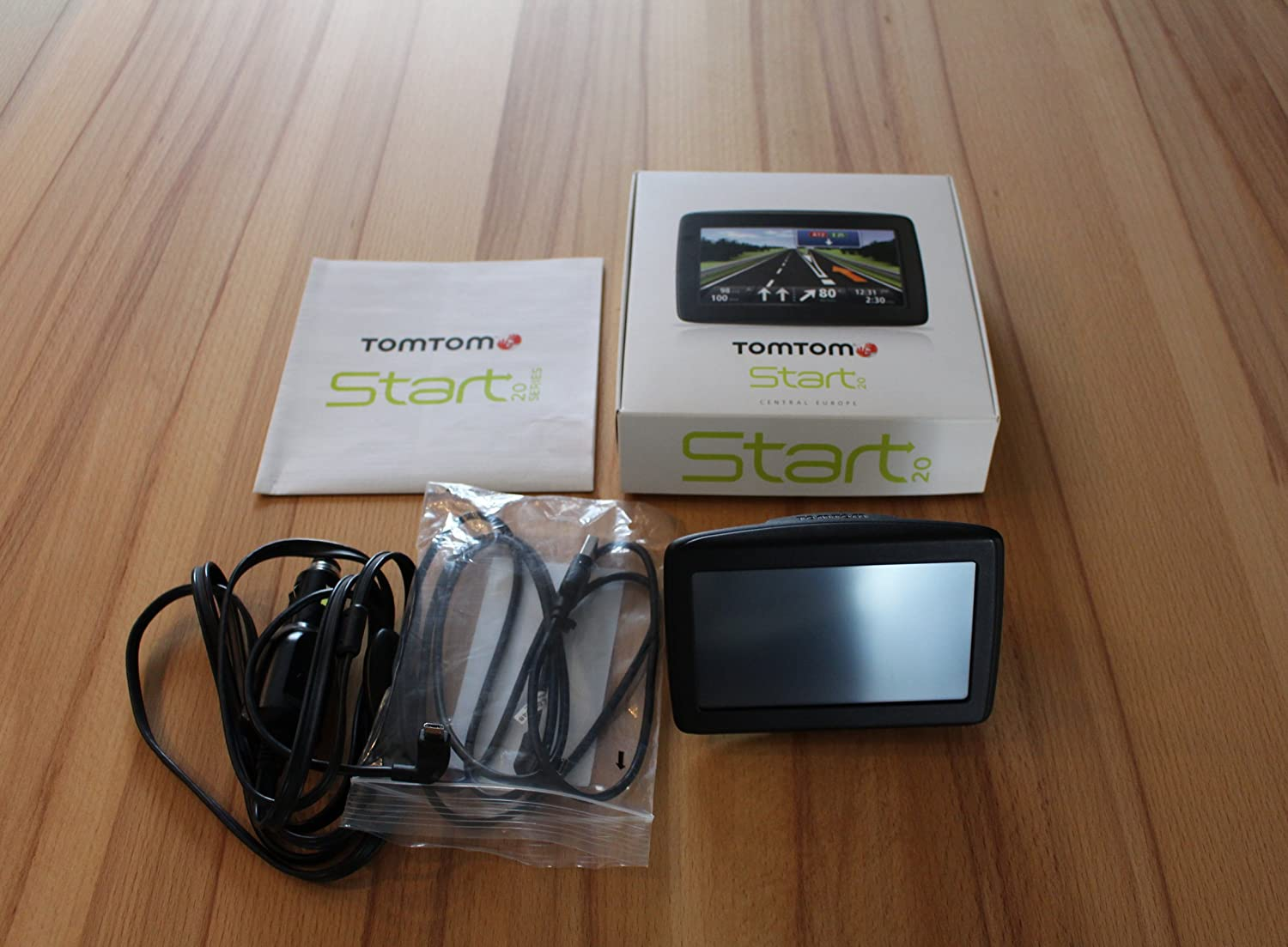TomTom Start 20 Europe Traffic Navigationssystem (11 cm (4,3 Zoll) Display, 45 Lä nder, TMC, Fahrspur & Parkassistent, IQ Routes, Map Share) schwarz 1EN4.002.02
