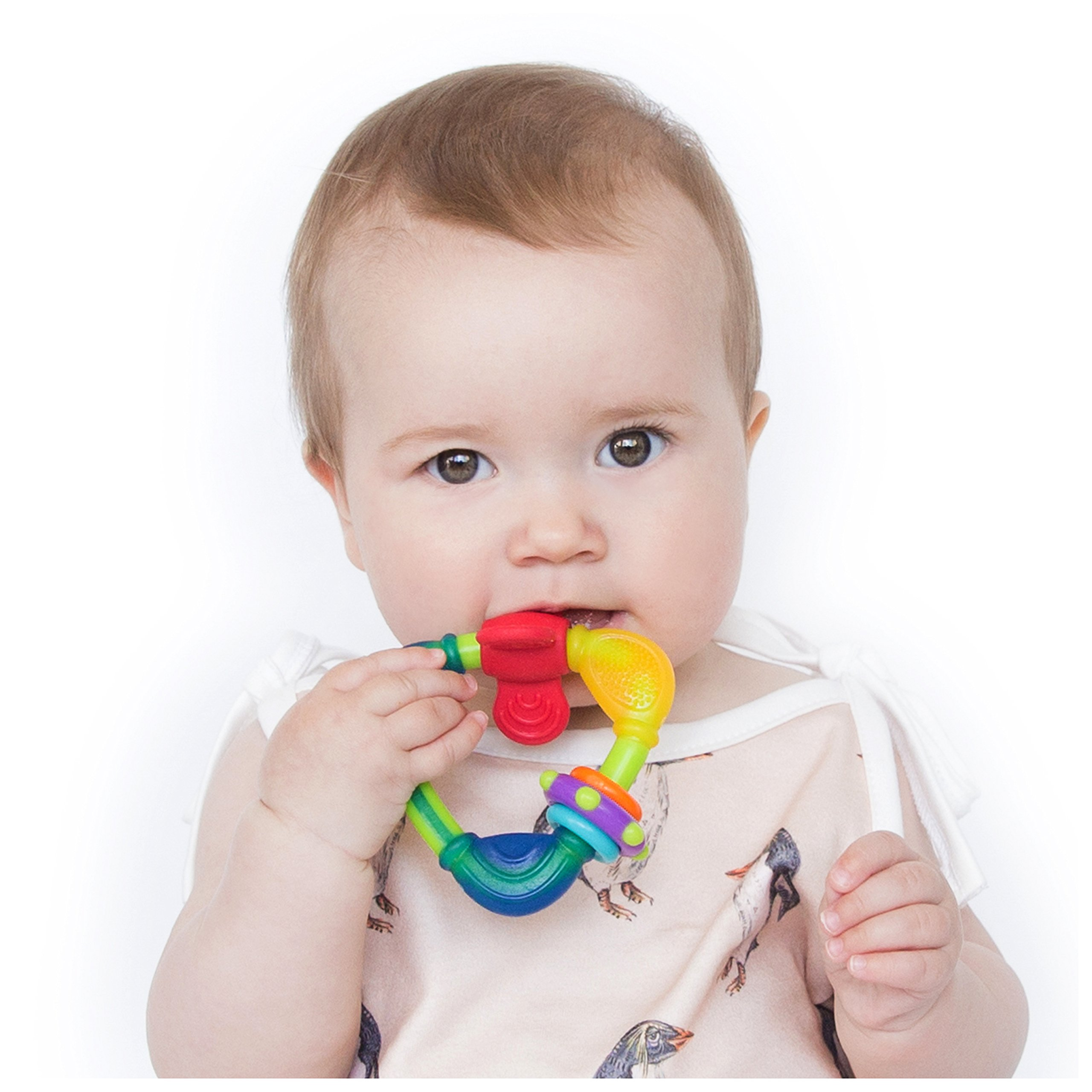 When does a baby smile for the first time and why ...