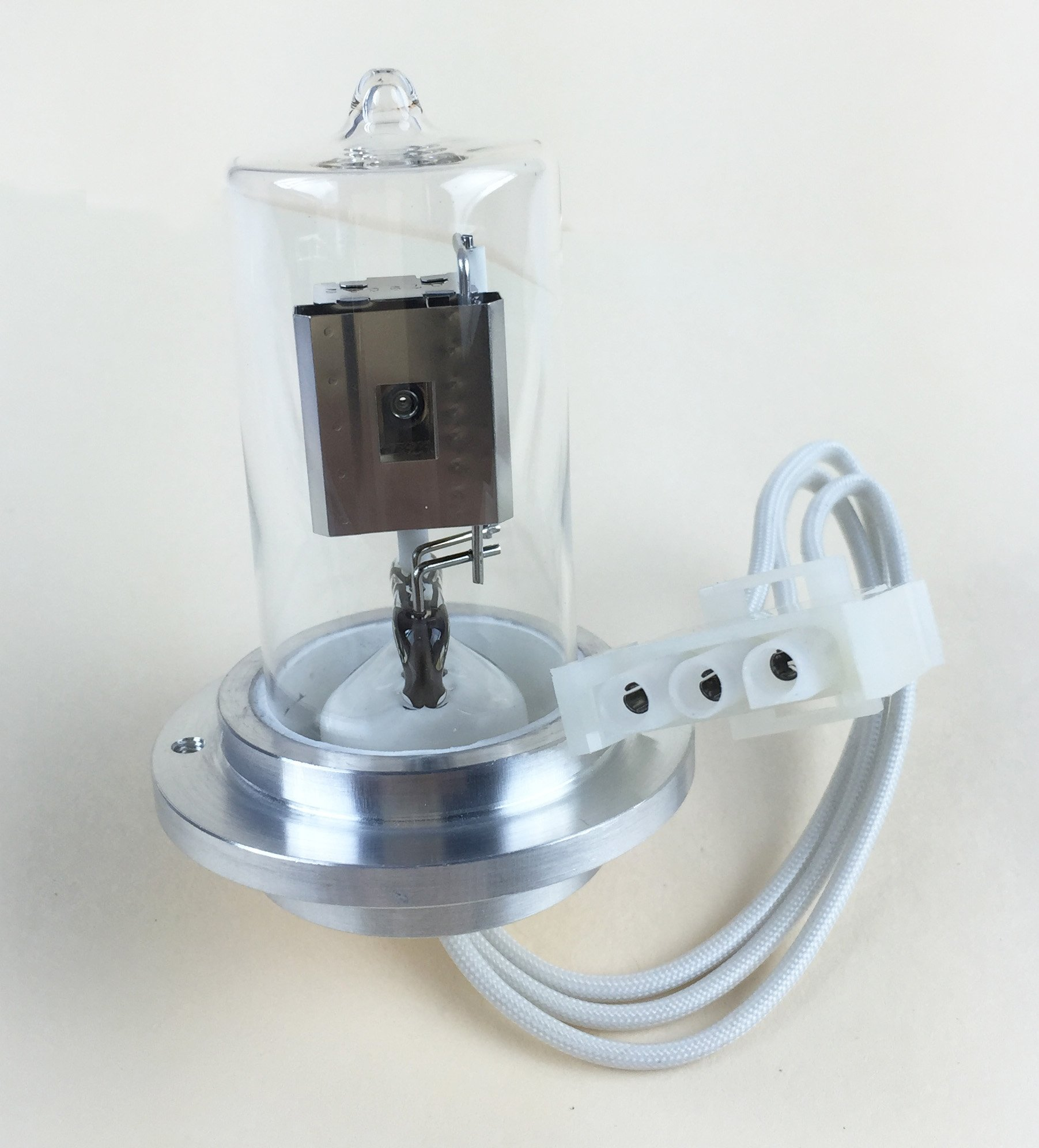 Azzota Deuterium Lamp for Agilent 1100 and 1200 HPLC detector DAD - 1000 hours Guarantee