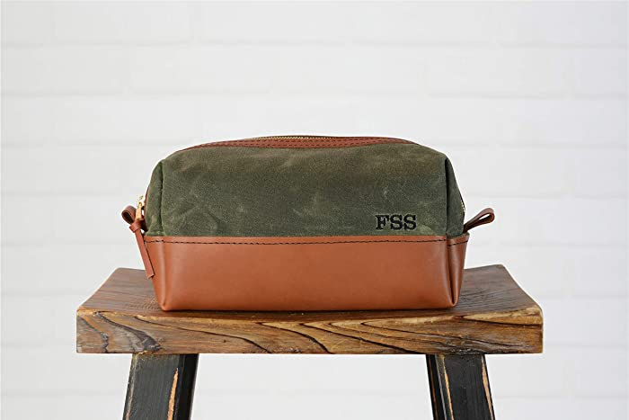 2966a50e5cf7 Amazon.com  Personalized Leather and Canvas Dopp Kit