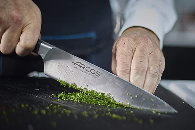 Arcos Manhattan 160600 - Cuchillo Cocinero de Acero Inoxidable Forjado, 210 mm