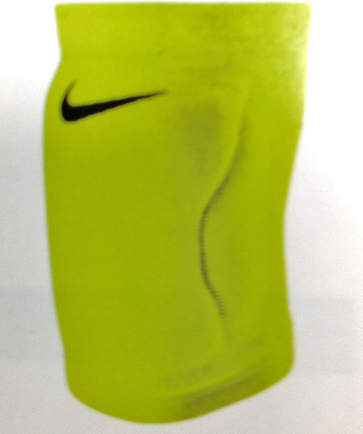 Amazon Com Nike Streak Volleyball Knee Pads One Pair Volt M L Sports Outdoors