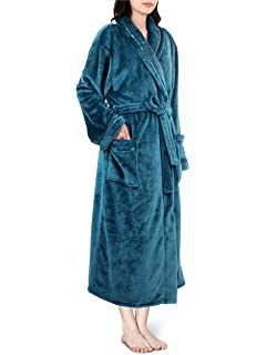 Secret Treasures Women s Super Minky Plush Sleep Robe at Amazon ... 918f7ef04