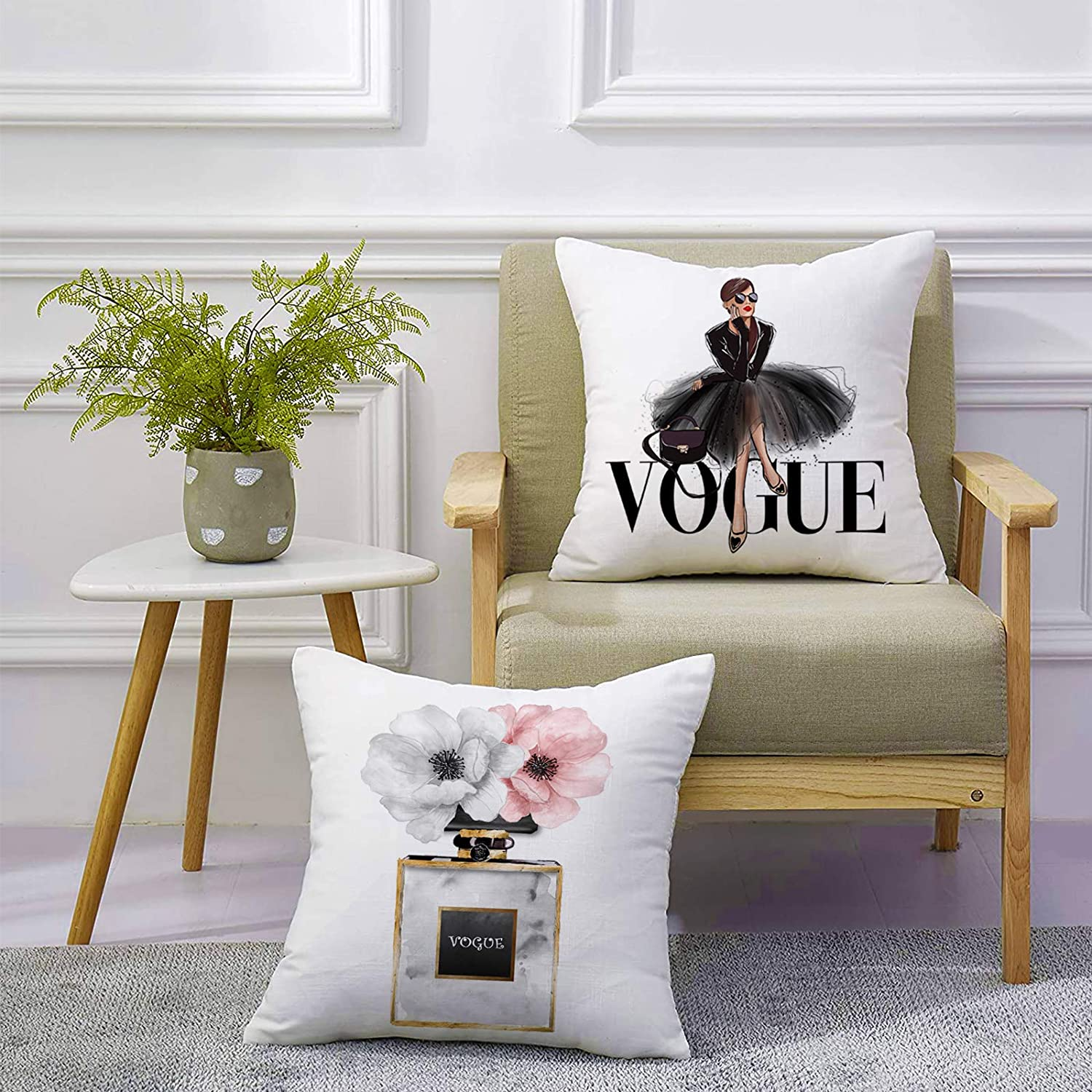 FCOZM Fashion Women Decorative Pillow Covers 18x18 Gold Perfume Bottle with Pink Flower Throw Pillow Covers for Couch Black and White Square Velvet Pillow Cases Teen Girl Women Bedroom Decor (02)