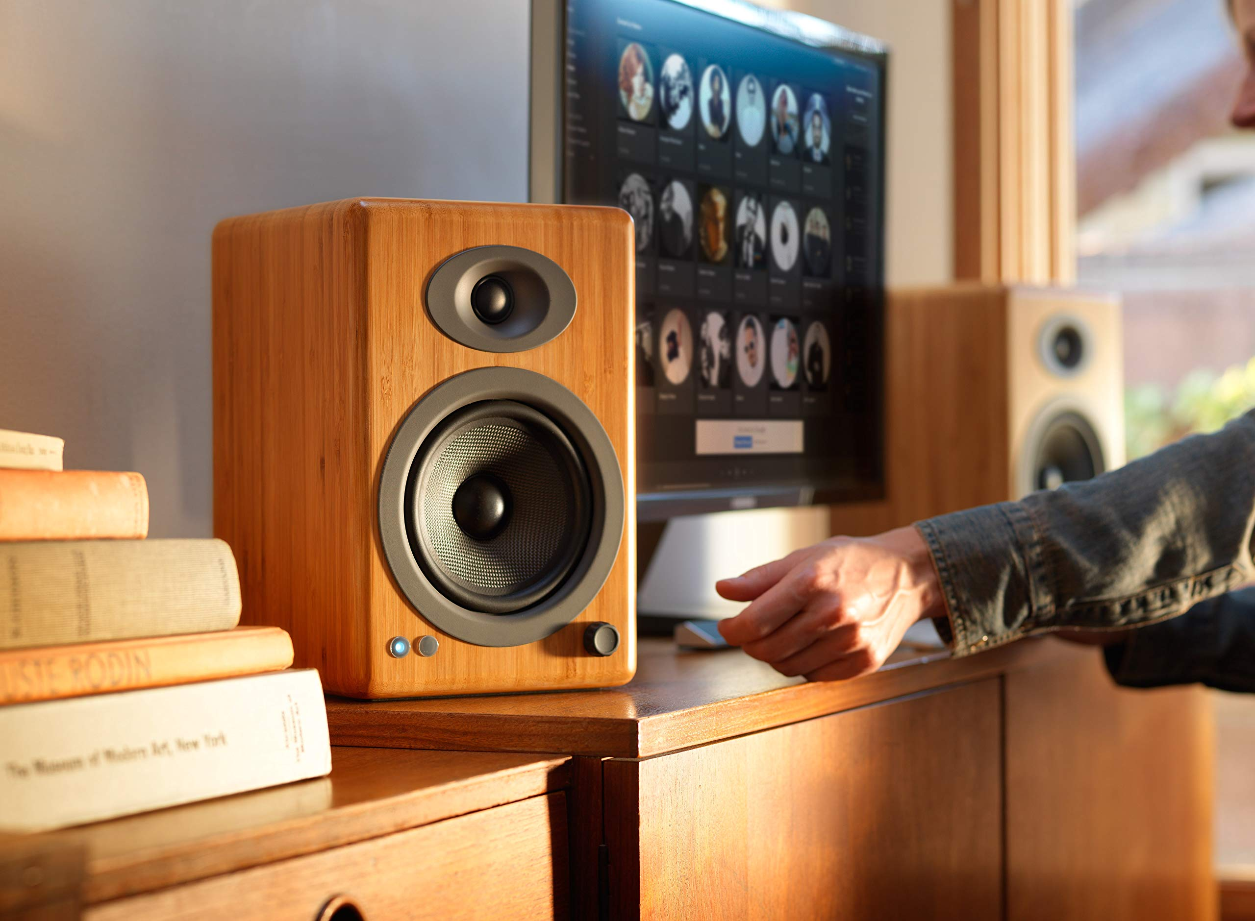 Audioengine A5+ 150W Wireless Powered Bookshelf Speakers   Built-in Analog Amplifier   aptX HD Bluetooth 24 Bit DAC, RCA and 3.5mm inputs   Solid Aluminium Remote Control   Cables Included by Audioengine (Image #7)
