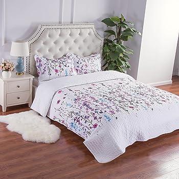 Bedsure Flourish Style Floral Design Quilt Set