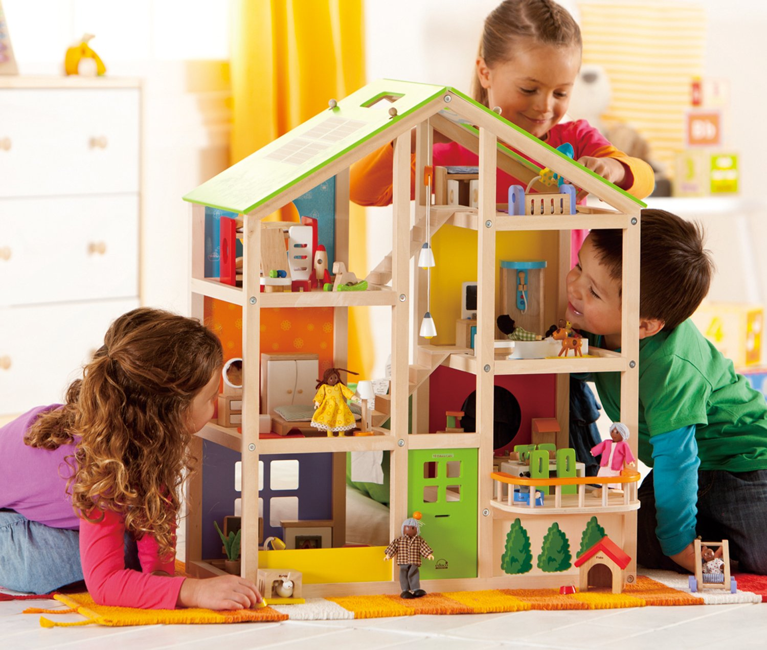 Hape All Seasons Kid's Wooden Doll House Furnished with Accessories by Hape (Image #9)
