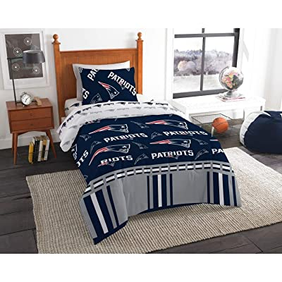 MISC 4 Piece Patriots Comforter & Sheets Set Twin, Football Sports Bedding for Boys Kids Bedroom Team Logo Printed Collegiate Pattern Home Decor Game Fans Gift Super Soft Cozy Quality Polyester: Home & Kitchen