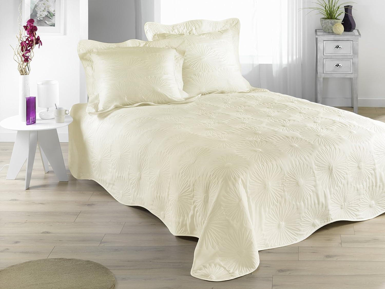 jete de lit boutis. Black Bedroom Furniture Sets. Home Design Ideas