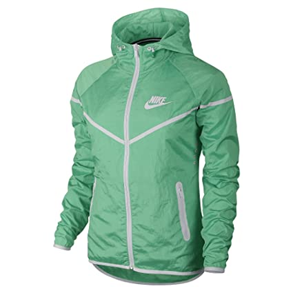 ebbaaf746a2c4 Amazon.com: Nike Women's Tech Aeroshield Windrunner Running Jacket ...