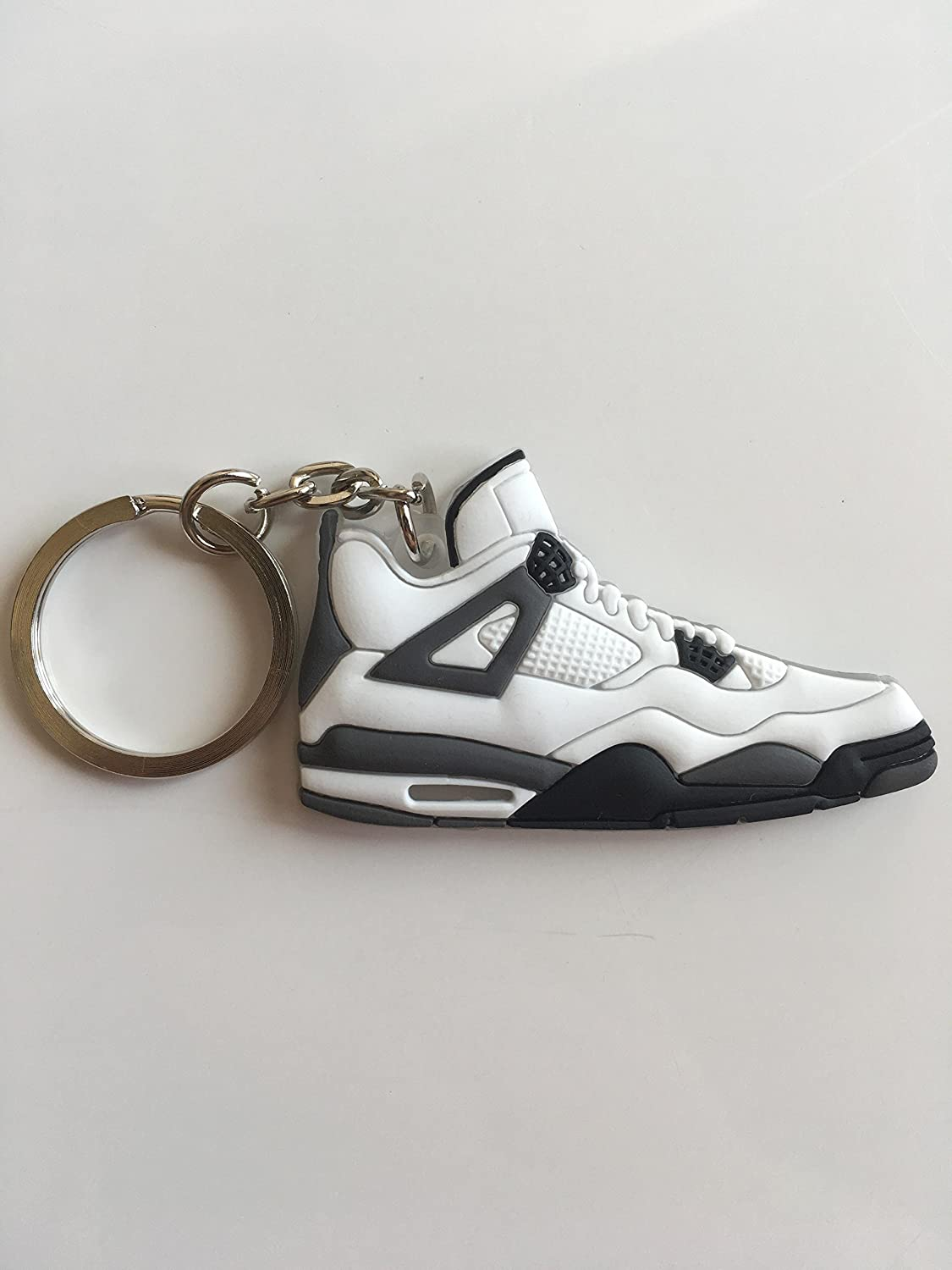 promo code 68cfb 8ffec Amazon.com   Jordan Retro 4 White Cement Sneaker Keychain Shoes Keyring AJ  23 OG   Sports   Outdoors