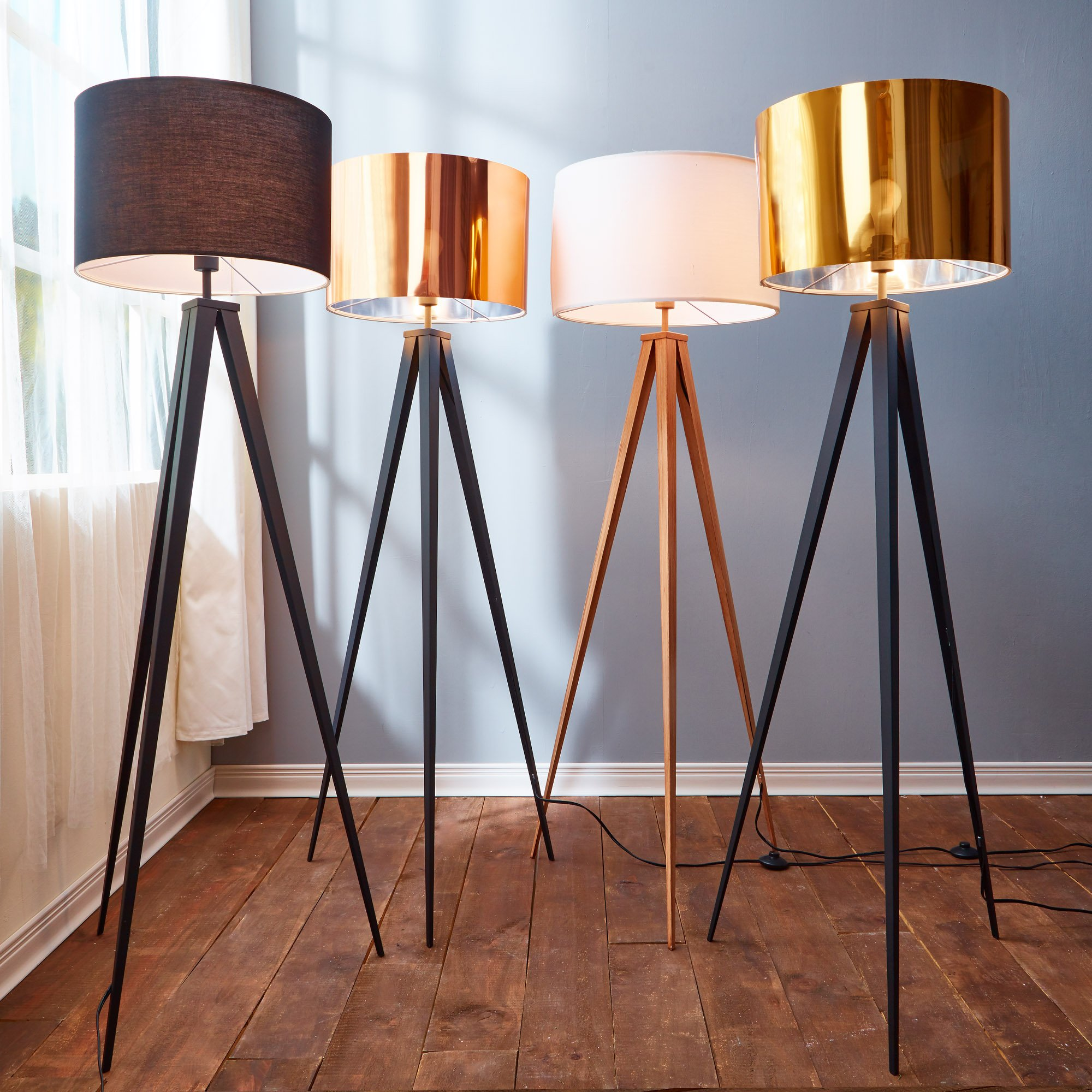 Versanora VN-L00007 Romanza Tripod Floor Lamp, White/Faux wooden leg by Versanora (Image #3)