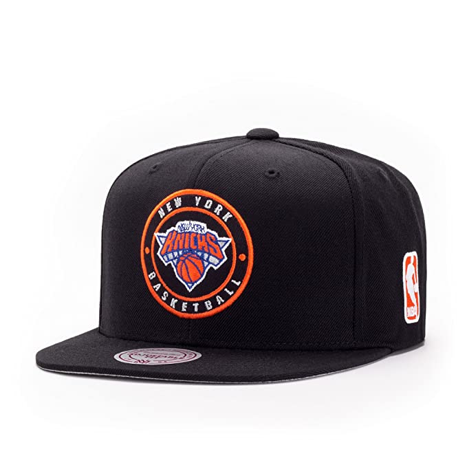 Mitchell   Ness New York Knicks Circle Patch Team Snapback Gorra ... 21ccb0d82ef