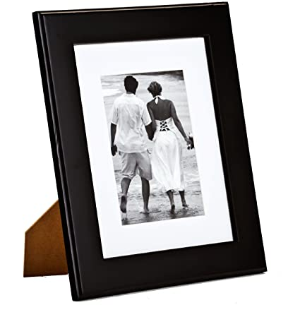 Amazon.com - Displays2go PFHS57W1B Matted Picture Frames for ...