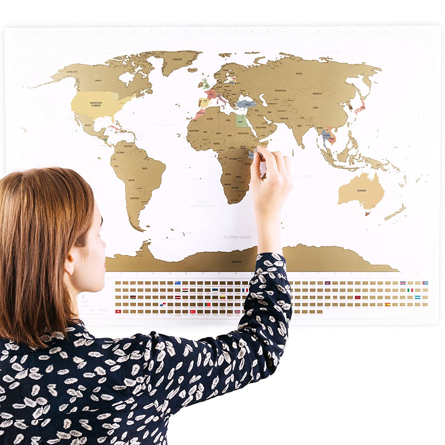 Amazon scratchable world map with flags and bonus a4 size amazon scratchable world map with flags and bonus a4 size map of the us personalised travel tracker poster remember and share your adventures gumiabroncs Images