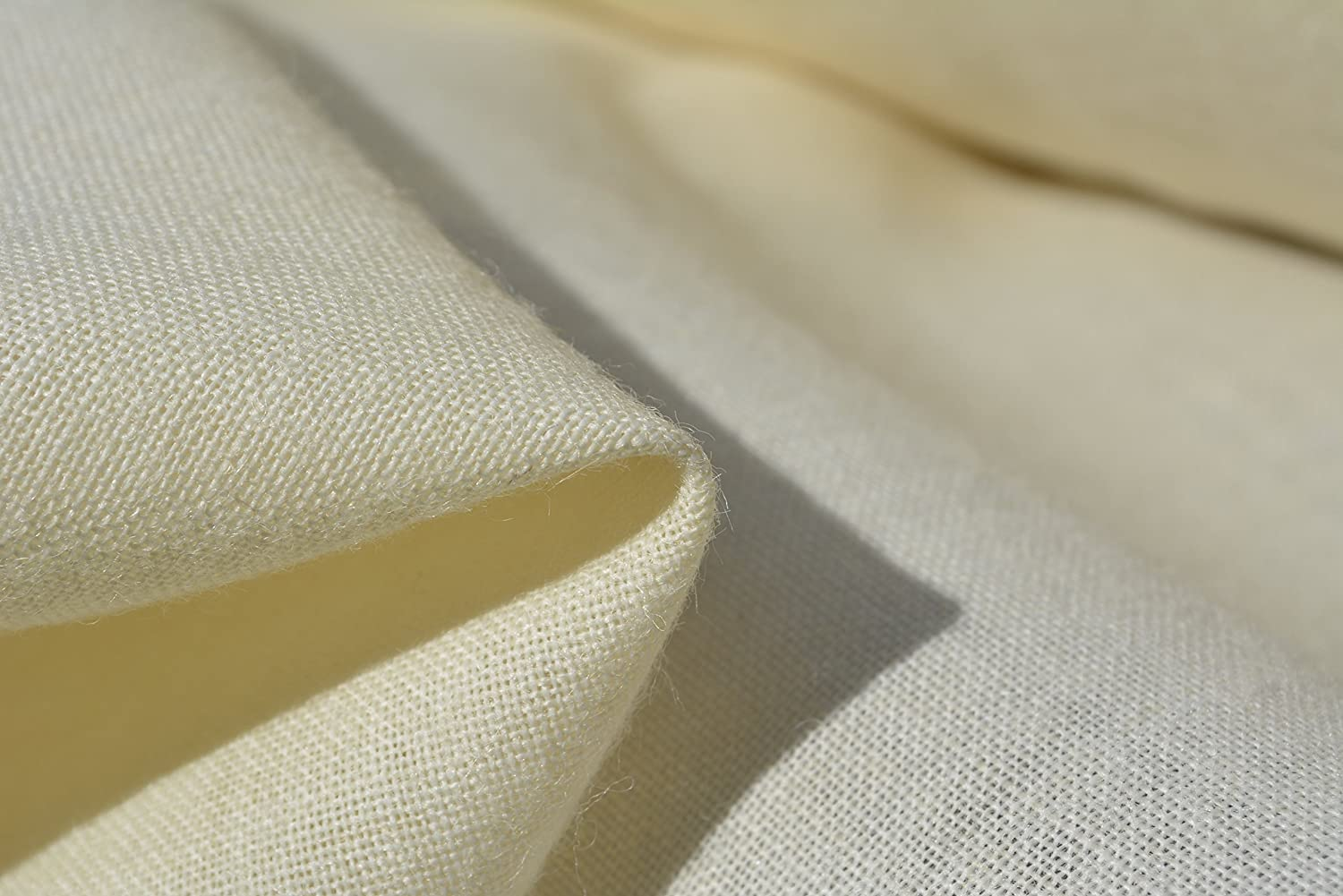 Med/heavy weight necktie INTERFACING / INTERLINING - AC Ter Kuile - finest available - 65/65WAP-29 - Wool blend - Made in Netherlands