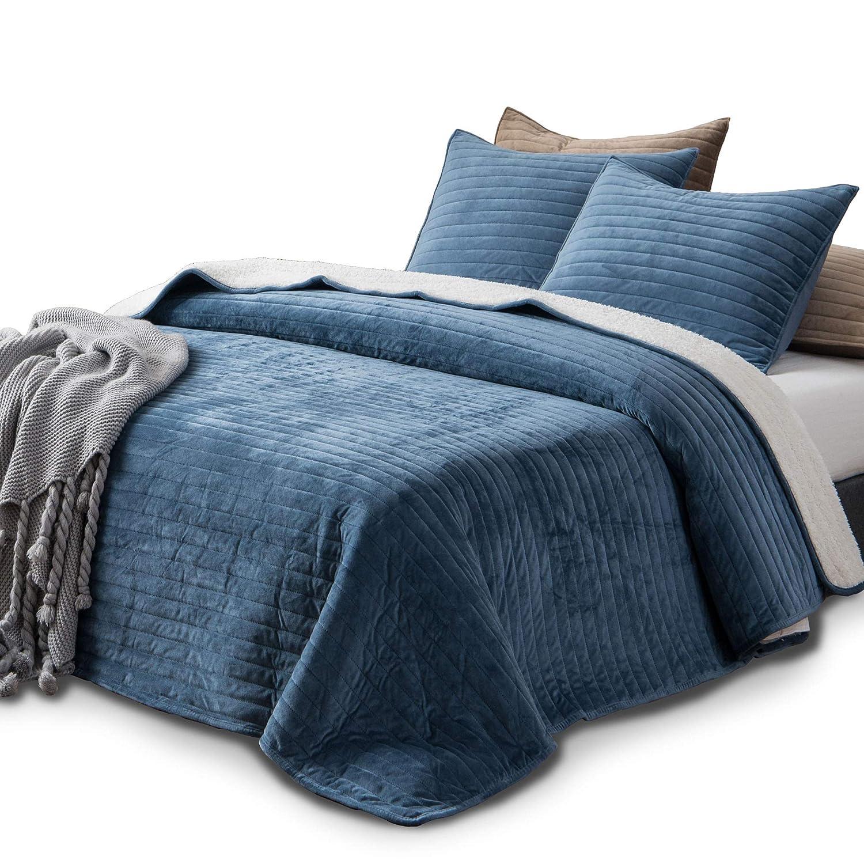 KASENTEX Plush Poly Velvet Lavish Design Quilt Set with Reversible Shu Velveteen Sherpa - Luxurious Bedding Soft & Warm Comforter Machine Washable Comforter (Heavenly Blue, Queen + 2 Shams)