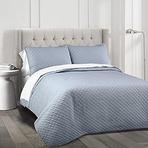 Lush Decor Ava Quilt Diamond Pattern Solid 3 Piece Oversized Bedding Blanket Bedspread Set, Full/Queen, Blue