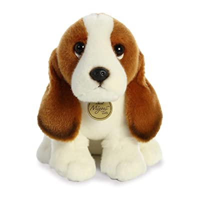 "Aurora - Miyoni - 11"" Basset Hound Pup, White, (Model: 26371): Toys & Games"