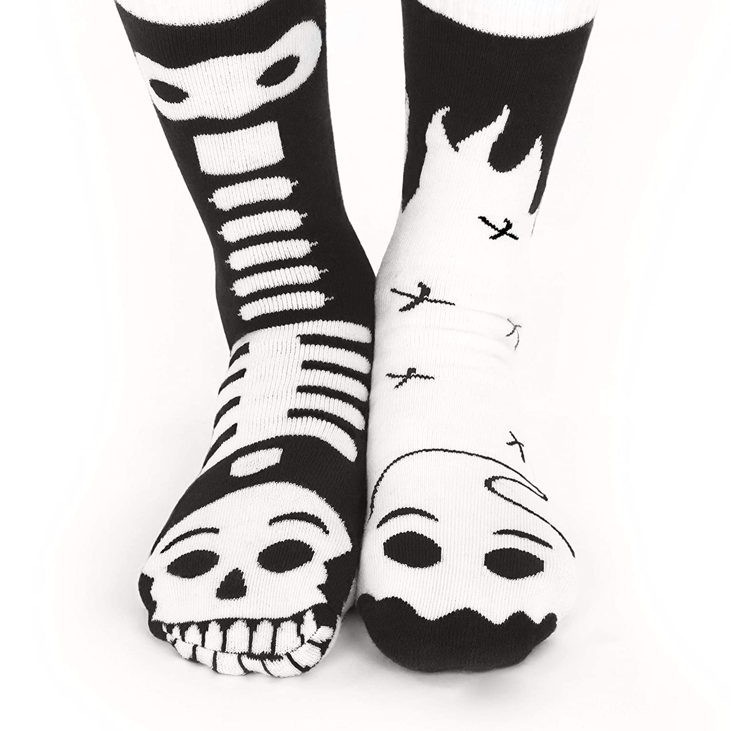 Ghost /& Skeleton Halloween Mismatched Glow In The Dark Socks Boys Girls Age 8-12