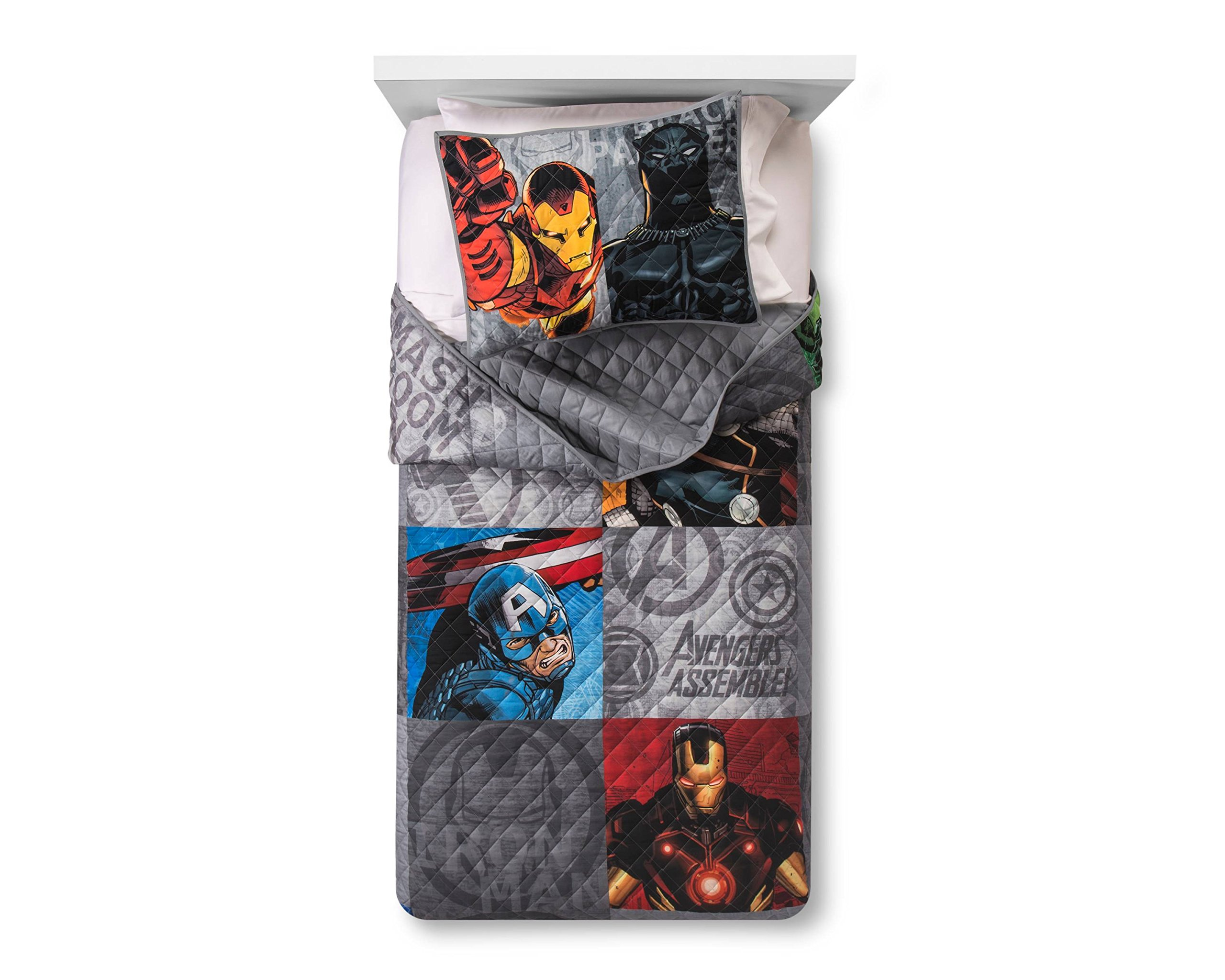 Marvel Avengers Grey Quilt Set (Twin/Full) by Franco