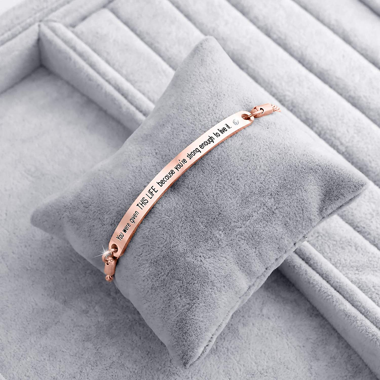 ivyAnan Jewellery Inspirational Bracelets Gifts Engraved Personalized Fashion Bangles for Women Girl Sister Mother Friends