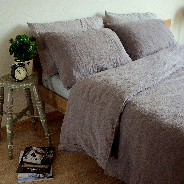 Schlaftipps-gemütliches-Bett-Leinen-Bettwäsche-grau