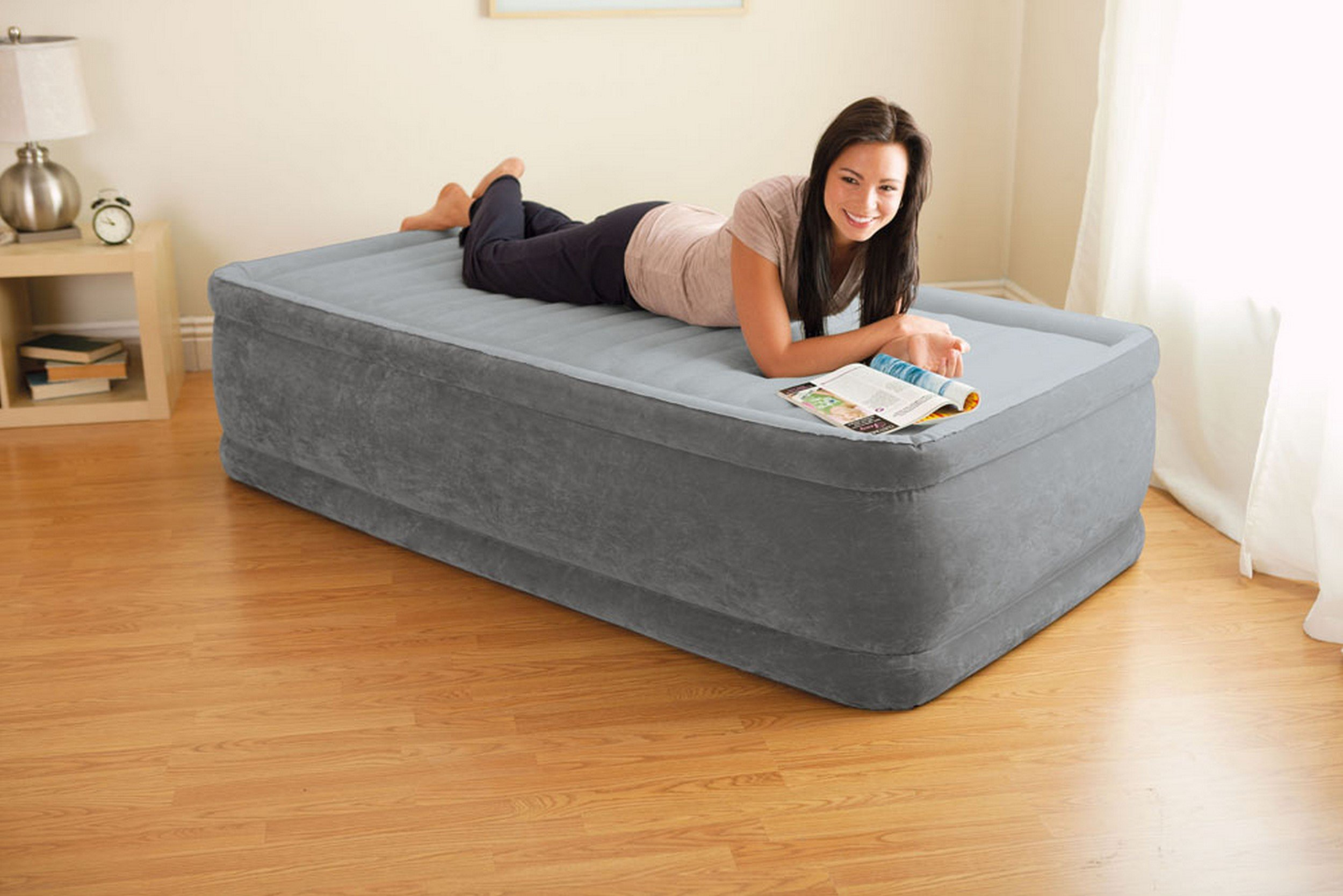 Intex Comfort Plush Elevated Dura-Beam Airbed with Built-in Electric Pump, Bed Height 18'', Twin by Intex (Image #24)