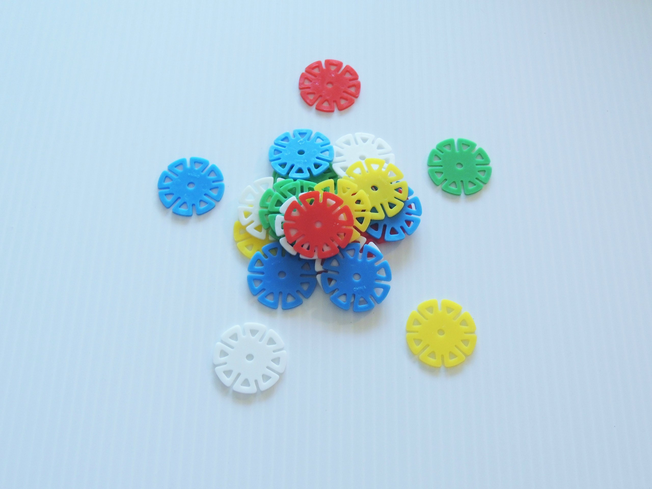 Small Spin Wheels Bird Toy Parts Parrots Crafts 250 Pieces 1.5'' Round