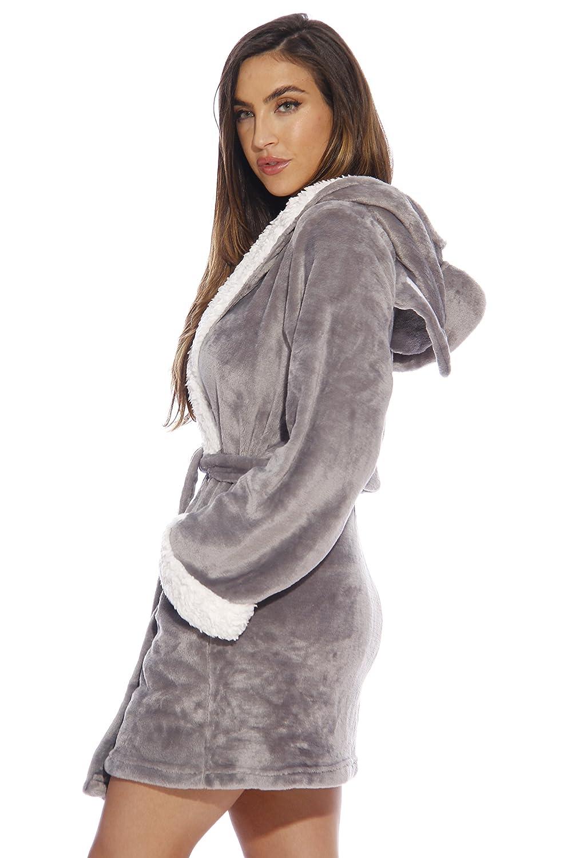 Amazon.com: Bata Just Love para mujer: Clothing